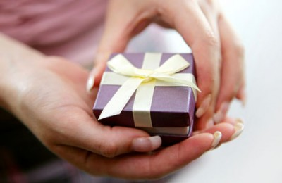 Hands-Holding-Gift